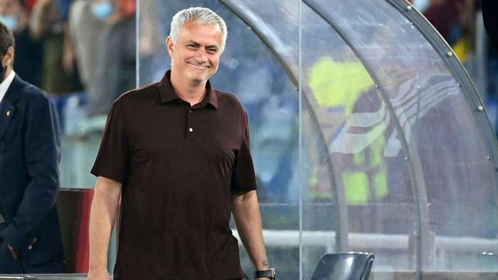 HLV Mourinho đang nhận được sự ủng hộ hết mình từ đông đảo các Romanista