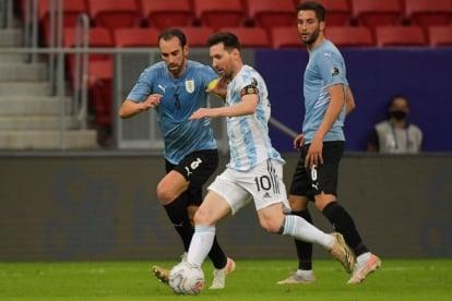 Uruguay không thắng được Argentina trong 5 trận đối đầu gần nhất
